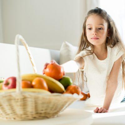 cibo-bambini-tavola-trucchi-per-sano-approccio-al-cibo