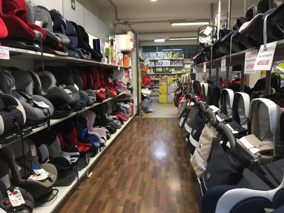 grande negozio di seggiolini per auto a Latina Rocco Bimbo