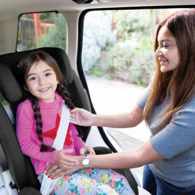 i-traver-il-seggiolino-auto-i-size-di-joie-per-i-bambini-da-100-150-cm_beberoyal