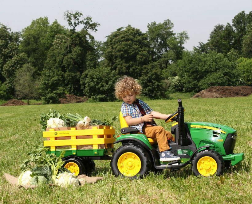 trattore peg perego ground force con rimorchio